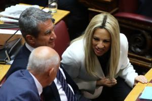 ΚΙΝΑΛ: Ζητά στοιχεία για το «στρατό» των συμβούλων που διόρισε ο ΣΥΡΙΖΑ!