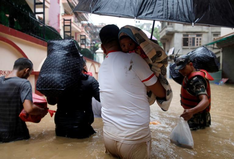Νεπάλ: Τουλάχιστον 55 νεκροί από τις πλημμύρες, χιλιάδες οι άστεγοι!