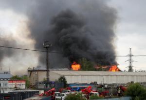 Μόσχα: Ένας νεκρός και 13 τραυματίες από τη γιγάντια φωτιά σε θερμοηλεκτρικό σταθμό! Video