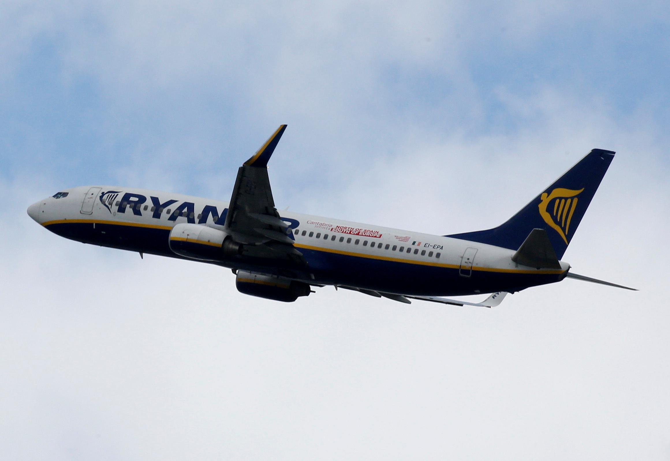 Πτήση Ryanair: Οι πρώτες εικόνες από το αεροσκάφος στο Μινσκ