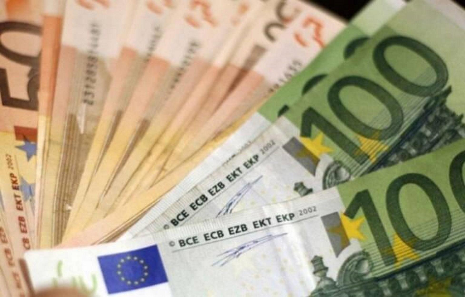 Πάνω από 1 δισ. ευρώ αυξήθηκαν οι καταθέσεις τον Αύγουστο
