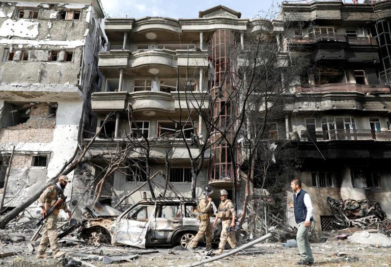 Μακελειό με 20 νεκρούς στο Αφγανιστάν – Στόχος δολοφονικής επίθεσης ο υποψήφιος αντιπρόεδρος