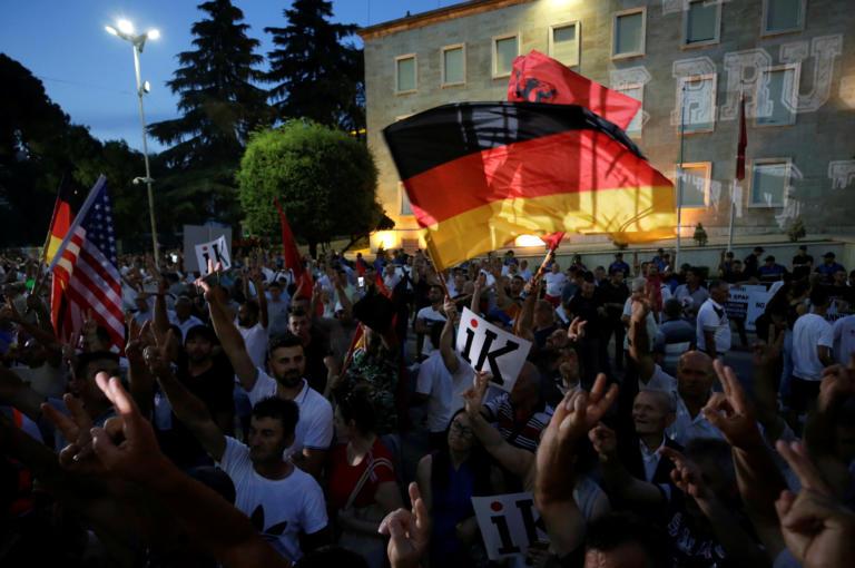 Δέκατη διαδήλωση στα Τίρανα κατά του πρωθυπουργού Έντι Ράμα