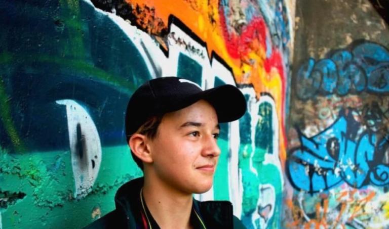 Πυροβολήθηκε 16χρονος Ελληνοαυστραλός μέσα στο σπίτι του! Σοκ με την… live μετάδοση!