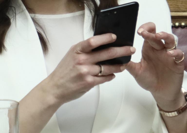 """Απάτες με SMS: Δίχως τέλος τα """"εγκεφαλικά""""! Οργή για τις τεράστιες χρεώσεις"""