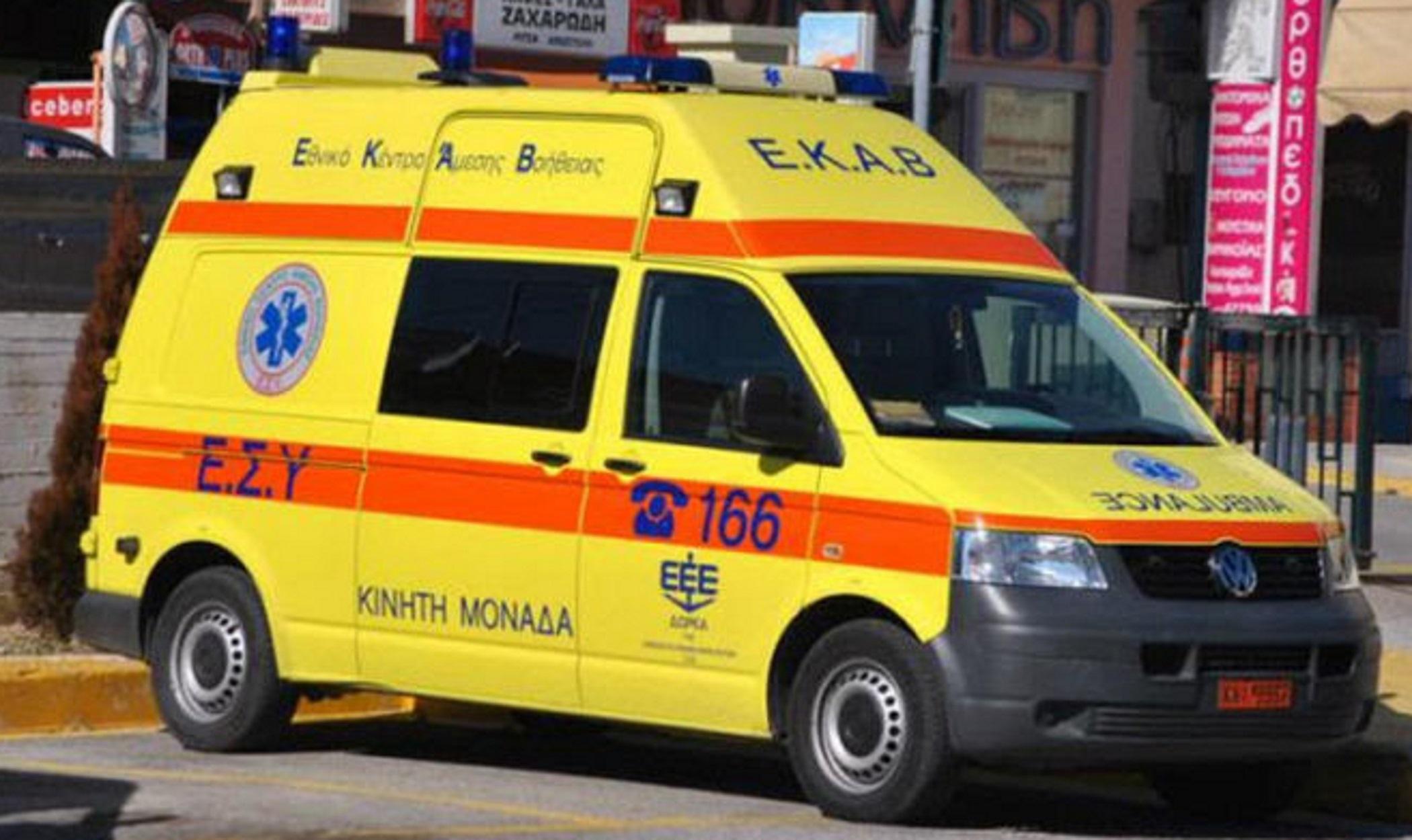 Δεκάδες κλήσεις δέχεται το ΕΚΑΒ για μεταφορές πανικόβλητων ηλικιωμένων
