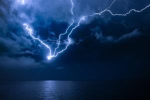 Καιρός: Έρχονται επικίνδυνα φαινόμενα τις επόμενες ώρες – Τί περιμένουμε από αύριο