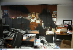 Βενιζέλος για επίθεση στην Athens Voice: Απόλυτη καταδίκη