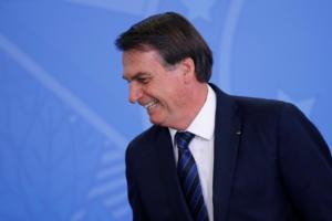Βραζιλία: Ο Μπολσονάρο ακύρωσε συνάντηση με τον Γάλλο υπ. Εξωτερικών για… να πάει για κούρεμα