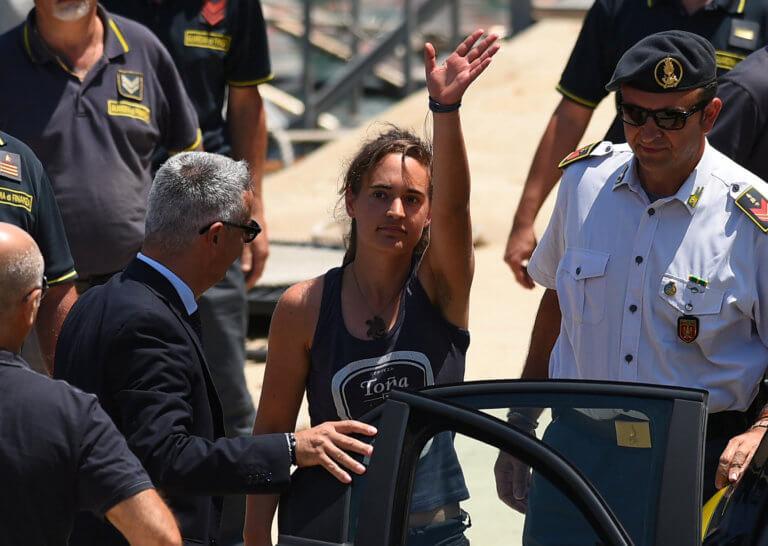 Κάρολα Ράκετε: Παραμένει σε κατ' οίκον περιορισμό! Αύριο η απόφαση