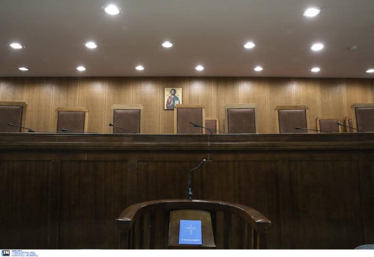 Κατηγορούμενος στη δίκη της Χρυσής Αυγής: «Ποια επίθεση; Λασπολογίες…»