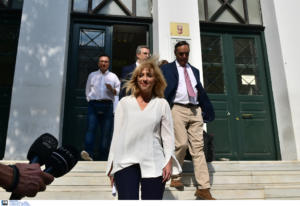 Ελεύθερη χωρίς όρους η Ρένα Δούρου για την τραγωδία στην Μάνδρα [pics]