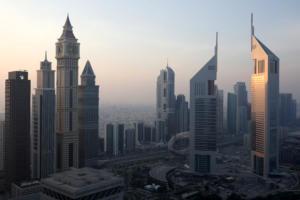 Το Ντουμπάι απαγορεύει στα εστιατόρια να σερβίρουν φαγητά και ποτά… με λουλούδια!