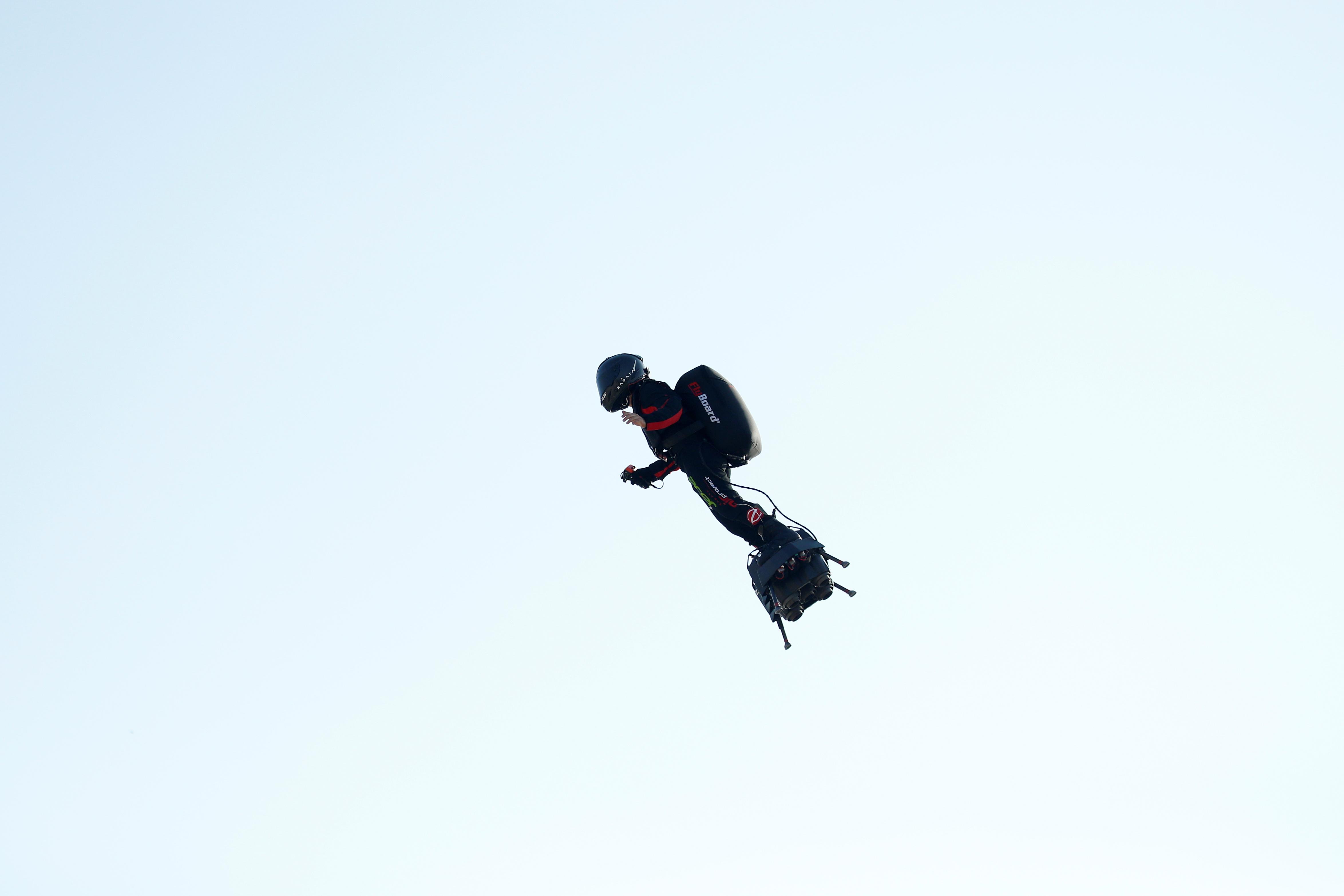 Ο ιπτάμενος άνθρωπος έπεσε στην Μάγχη! [vid]