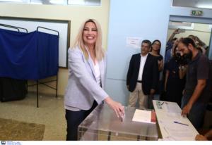 Στον ΄Αγιο Δημήτριο ψήφισε η Φώφη Γεννηματά – video