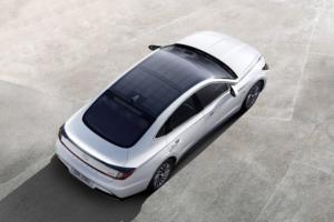 H Hyundai τοποθετεί ηλιακά πάνελ στο νέο Sonata Hybrid