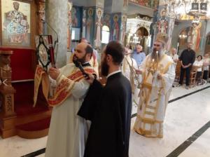 Γνωστός δημοσιογράφος χειροτονήθηκε ιερέας – video