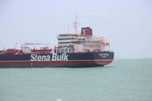 Ιράν: «Αλλάξτε ρότα»! Οι συνομιλίες πριν από τη σύλληψη του βρετανικού τάνκερ – video