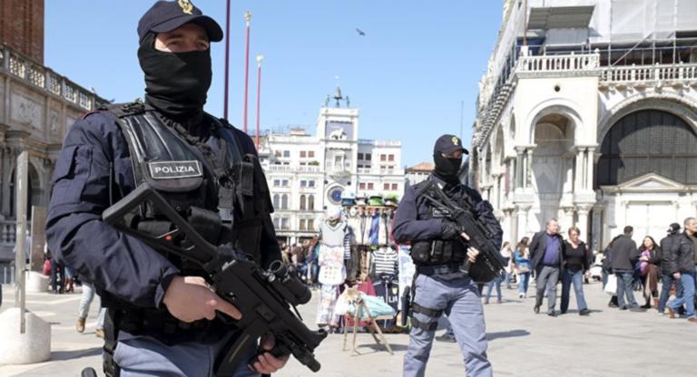 Ιταλία: Πυροβολισμοί μέσα σε αστυνομικό τμήμα – Δύο νεκροί, τρεις τραυματίες