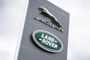Jaguar Land Rover: Mε ζημιές και πτώση πωλήσεων έκλεισε το πρώτο εξάμηνο της χρονιάς