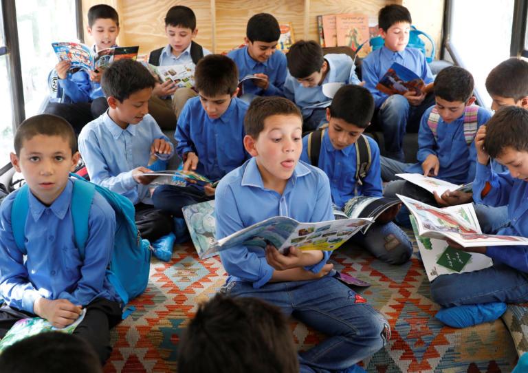 Λεωφορεία – κινητές βιβλιοθήκες στην Καμπούλ!