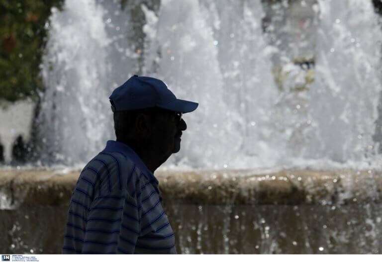Καύσωνας: Κλιματιζόμενες αίθουσες λειτουργούν στον δήμο Πειραιά