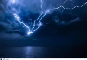 Καιρός… για ομπρέλα! Σφοδρές καταιγίδες τις επόμενες ώρες!