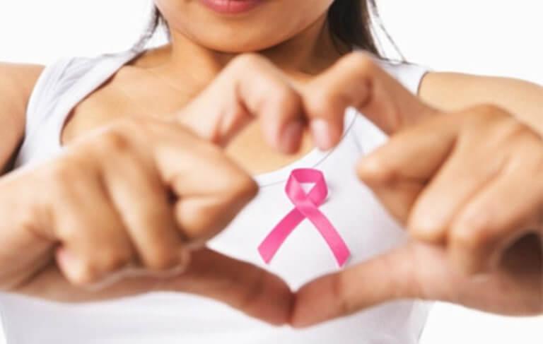 Οι γυναίκες που ξυπνούν αυτές τις ώρες είναι πιο πιθανό να παρουσιάσουν καρκίνο του μαστού