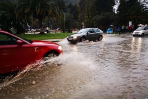 Καιρός αύριο: Βροχές και καταιγίδες – Ακόμα πιο χαμηλά η θερμοκρασία