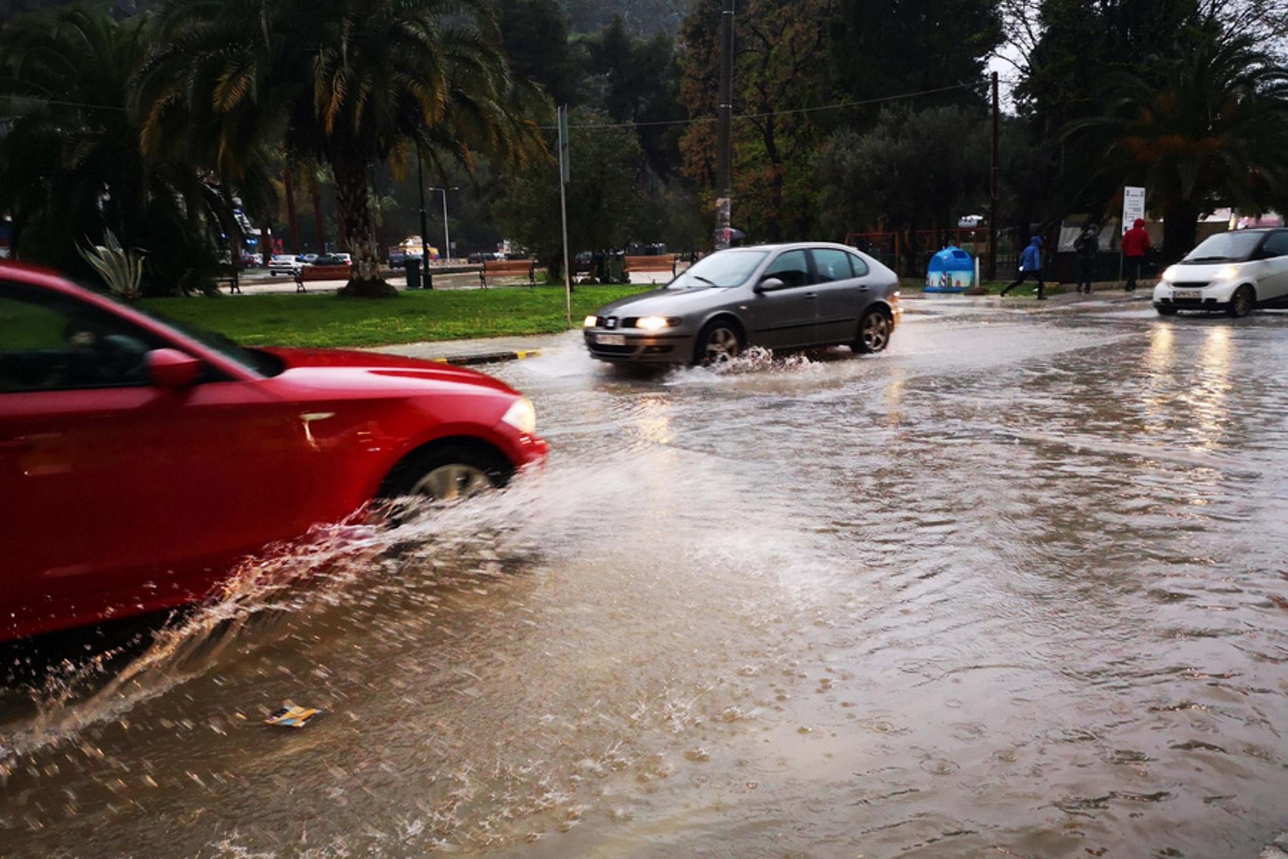 Καιρός σήμερα: Βροχές και καταιγίδες – Που θα είναι εντονότερα τα φαινόμενα