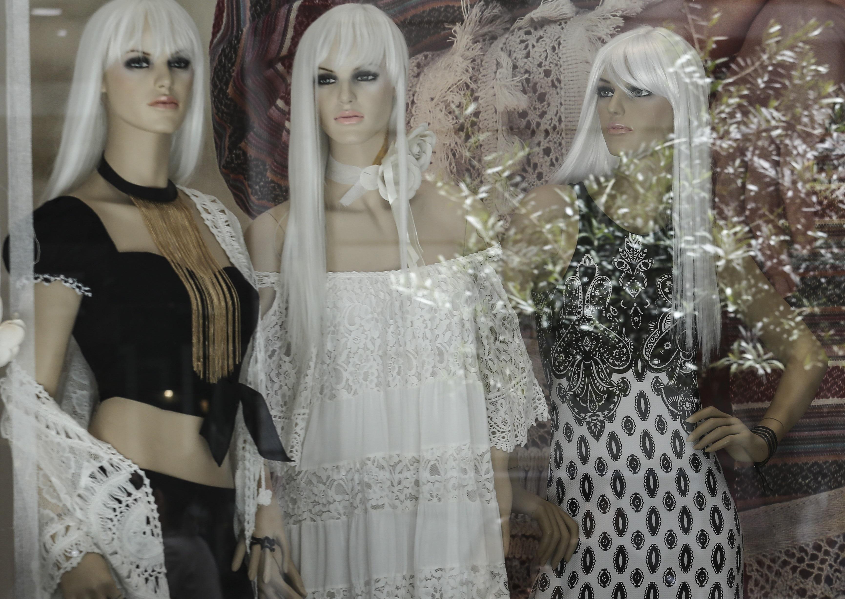 Ηράκλειο: Στιγμές απείρου κάλλους σε κατάστημα ρούχων – Η ιδιαίτερη απαίτηση του πελάτη και το δάγκωμα!