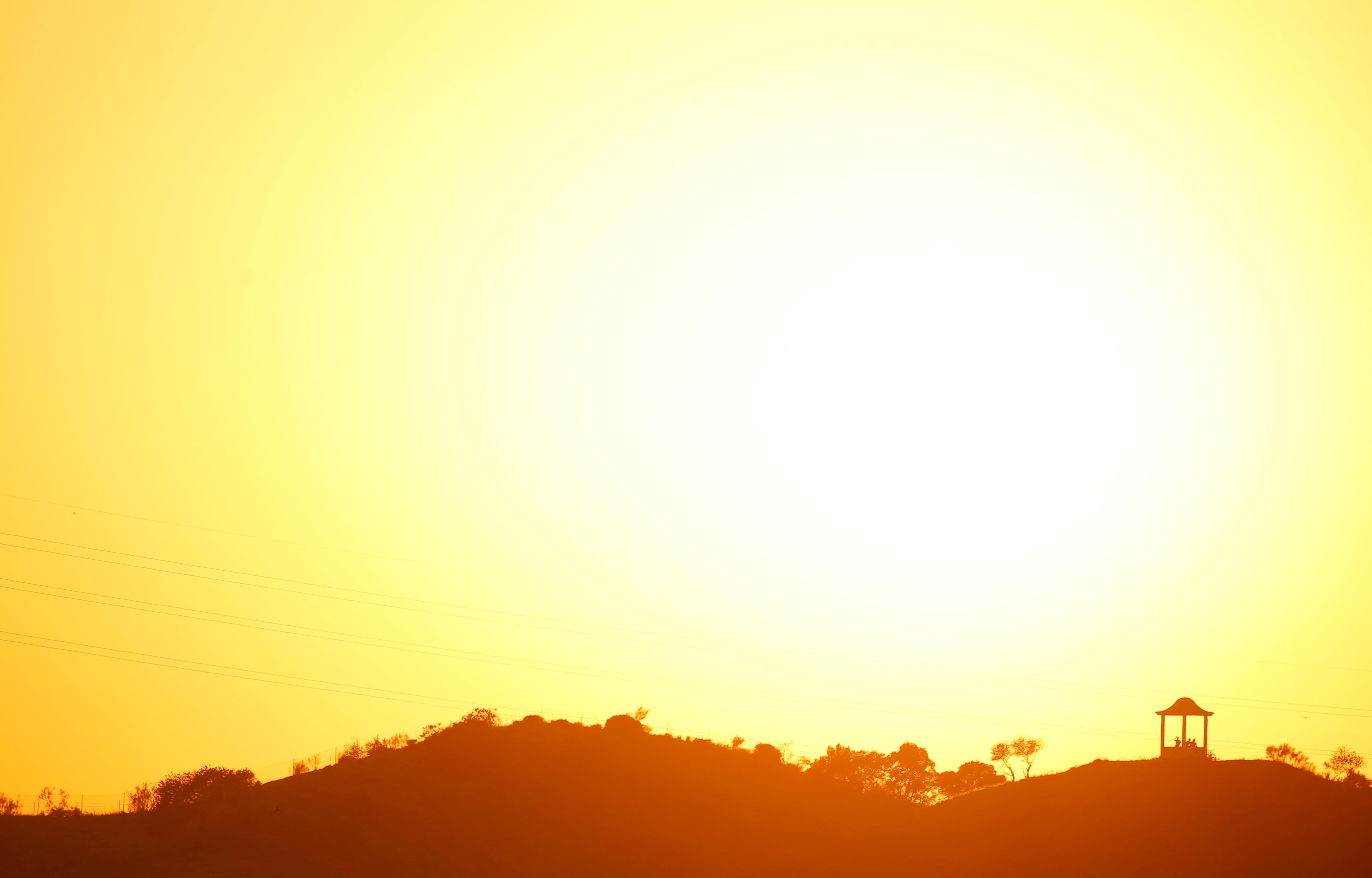 Χρήστος Ζερεφός: Ακραίοι καύσωνες κάθε 5 χρόνια και όχι κάθε 20