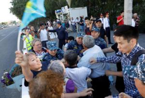 Καζακστάν: Δεκάδες συλλήψεις διαδηλωτών στην Αστάνα και στην Άλμα Ατά