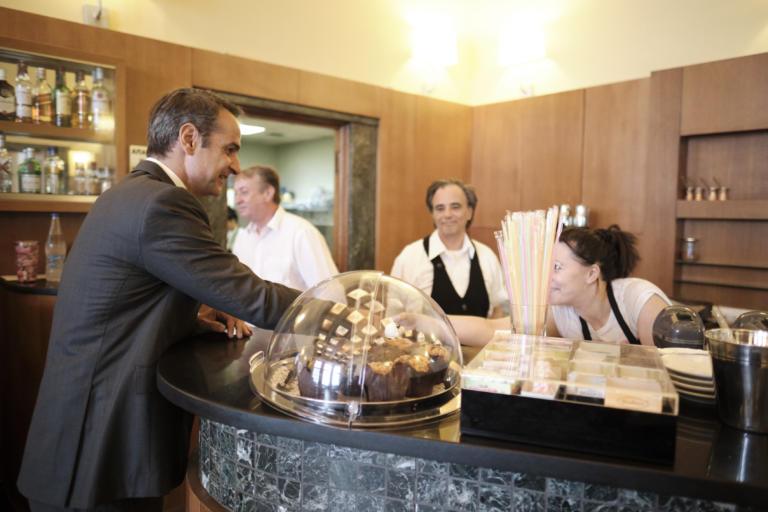 Ο υπάλληλος που πέρασαν για υφυπουργό και η πρώτη επίσκεψη σε Μητσοτάκη μετά το υπουργικό