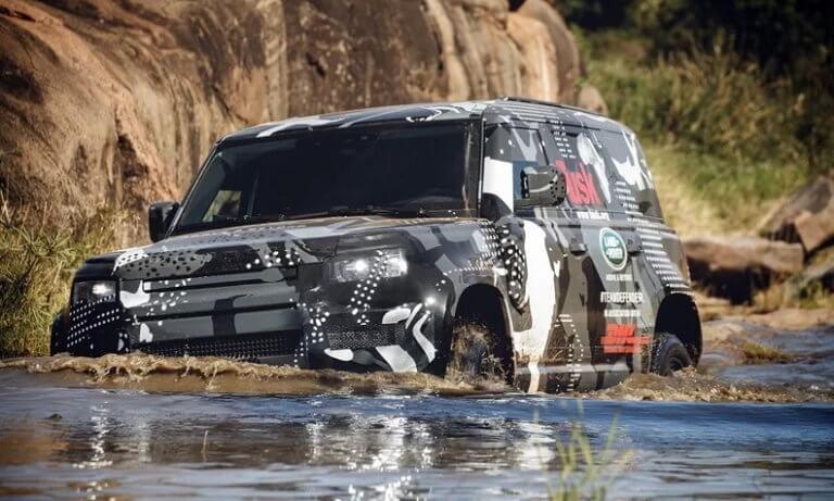 Εσείς πως το θέλετε το νέο σας Land Rover Defender; Medium, large ή extra large!