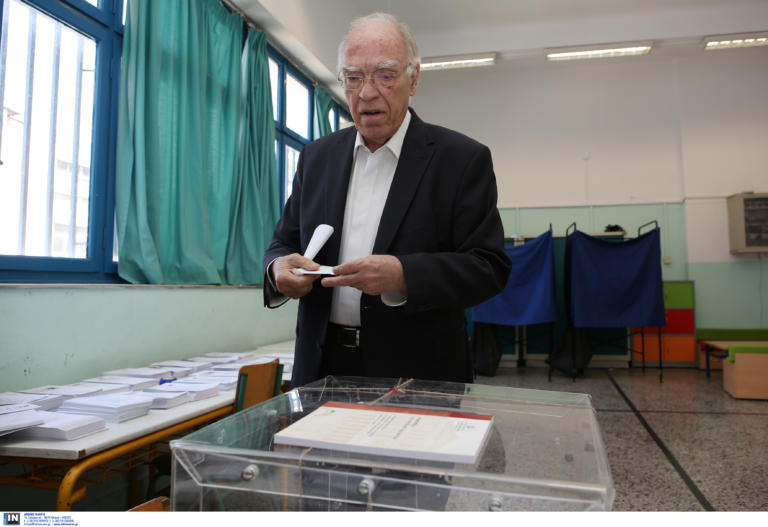 Εκλογές 2019: Τι όνειρο είδε ο Βασίλης Λεβέντης πριν πάει να ψηφίσει – video