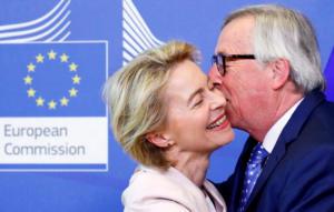 Γιούνκερ: Ο διορισμός της φον ντερ Λάιεν δεν ήταν διαφανής