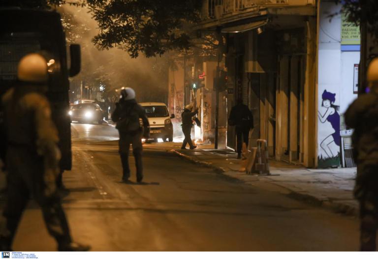 Επεισόδια στο Κουκάκι μεταξύ αστυνομίας και αντιεξουσιαστών