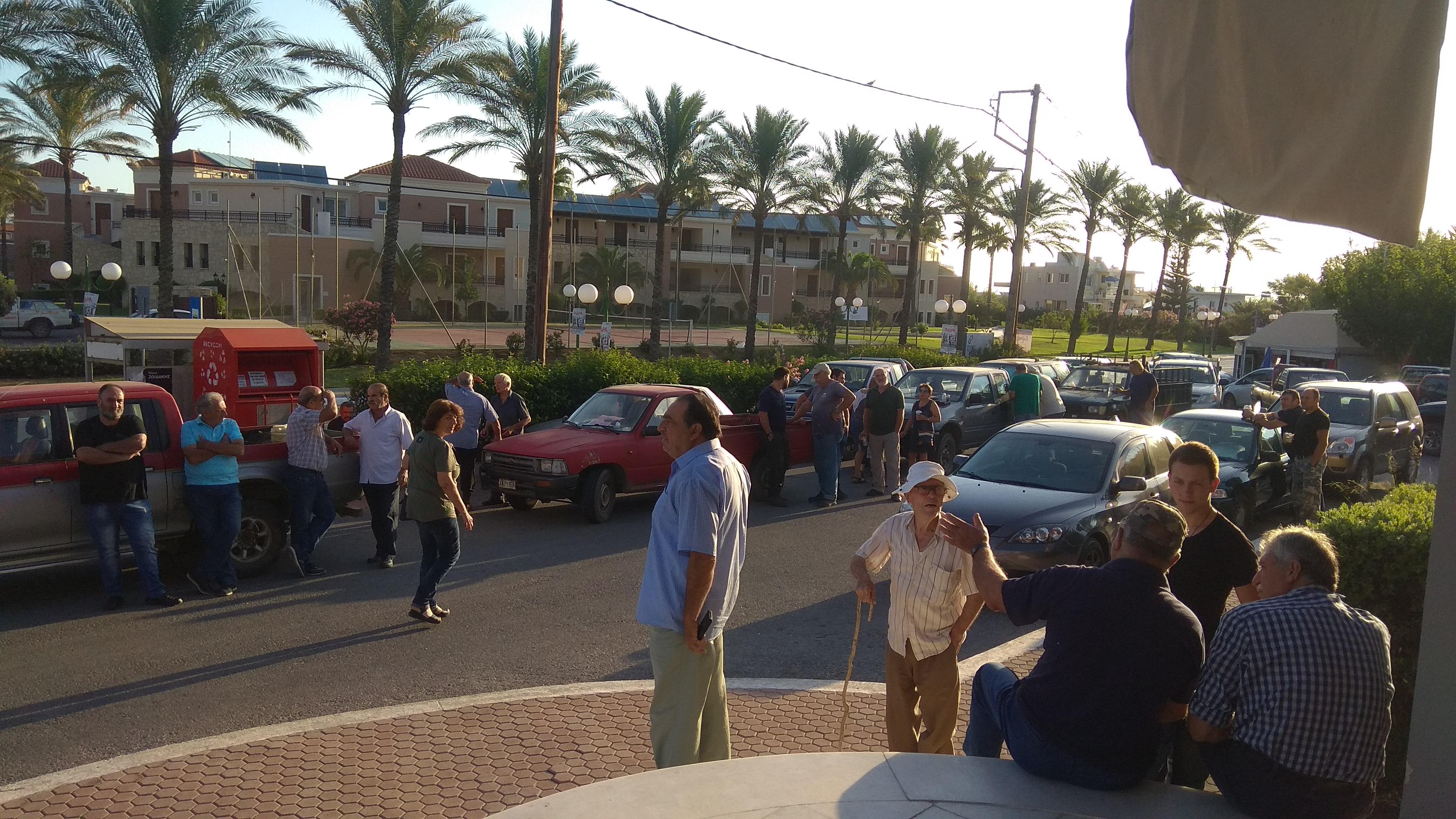 Χανιά: Η υπομονή τους τελείωσε – Συγκέντρωση διαμαρτυρίας στο δημαρχείο Πλατανιά για τα αυτονόητα!