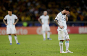 Copa America: Τα έριξε στη διαιτησία ο Μέσι! «Έκαναν μ@λ@κίες και δεν πήγαν στο VAR» – video