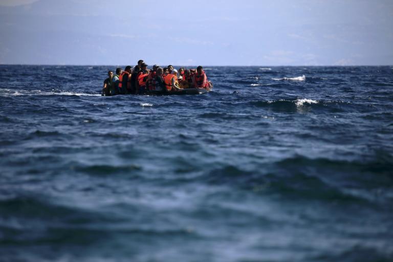 Λιβύη: Πλοίο που μετέφερε 100 μετανάστες βυθίστηκε
