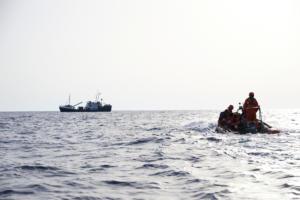 Τραγωδία! Φόβοι για πάνω από 100 νεκρούς σε ναυάγιο ανοικτά της Λιβύης