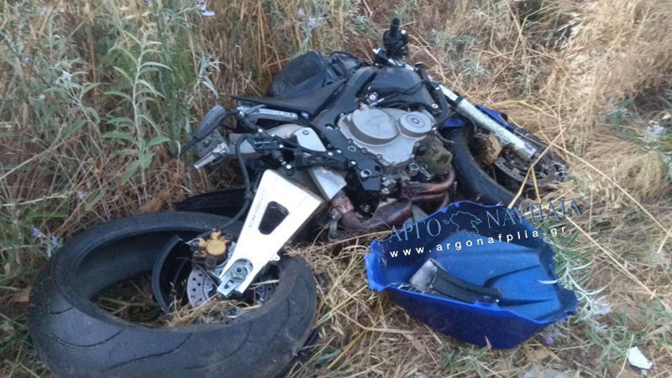 Αργολίδα: Εκσφενδονίστηκε ο οδηγός και εξαφανίστηκε στις καλαμιές η μηχανή του – Σοβαρό τροχαίο στη Νέα Κίο – video
