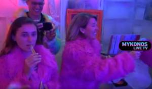 Μύκονος: Αυτό είναι το μπαρ που μοιράζει γούνες και σερβίρει ποτά στους -7 βαθμούς Κελσίου – video