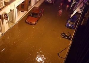 Καιρός: Πλημμύρισαν τα πάντα στη Ναυπακτία! 55 άτομα απεγκλώβισαν οι πυροσβέστες!