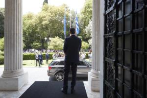 Κυβέρνηση Μητσοτάκη: Οι σίγουροι και οι «καραμπόλες» της τελευταίας στιγμής