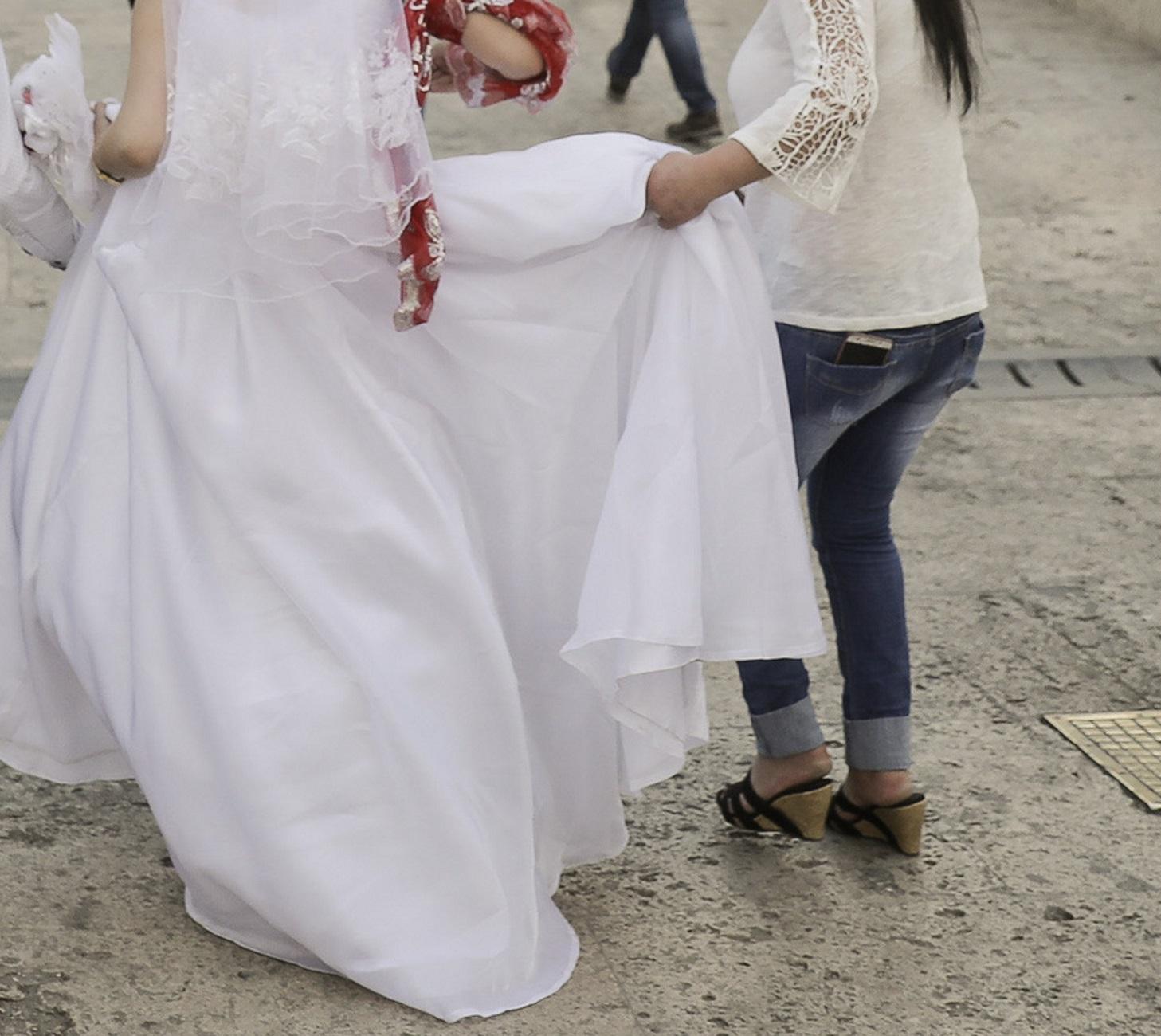 Μοντέλο εσωρούχων παντρεύτηκε τον εαυτό του: «Πήγα μόνη μου στην εκκλησία»