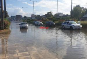 Καιρός: Προβλήματα και στην Πάτρα! Εγκλωβίστηκαν οχήματα στην Ακτή Δυμαίων