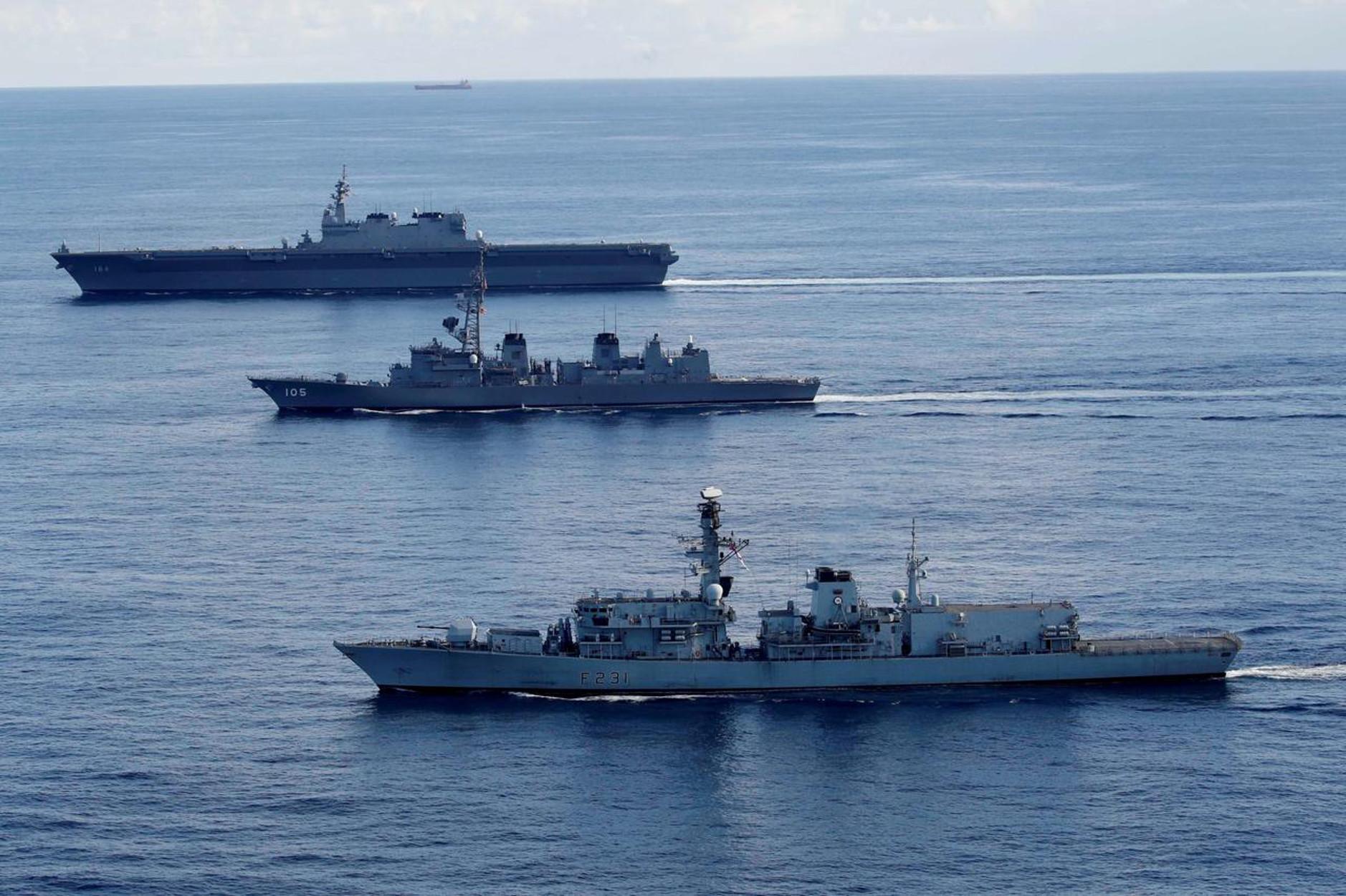 """Μαζεύονται """"σύννεφα"""" πολέμου στον Κόλπο - Στέλνει κι άλλο πολεμικό πλοίο η Βρετανία"""