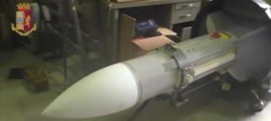 Πύραυλο και 20 προηγμένα όπλα βρήκε η ιταλική αστυνομία σε ακροδεξιούς